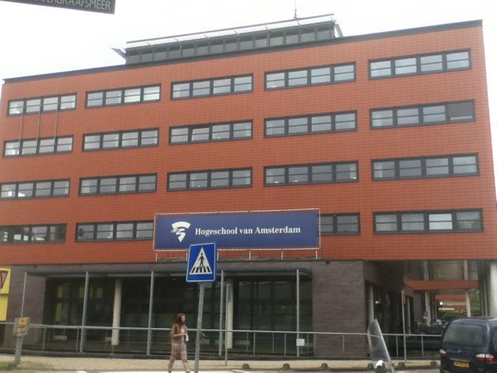 Edificio de Hogeschool van Amsterdam: School of Dwsign and Communication